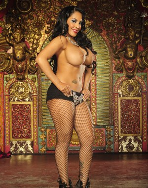 Latina MILF with huge juggs shows off her stunning body