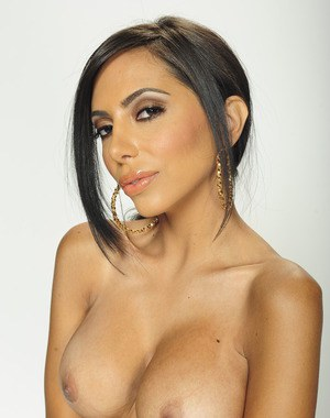 Fuckable latina babe Lela Star posing nude and showing her hot body