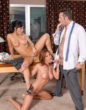 MILF Kirsten Price and Asian babe Asa Akira fuck hard in a threesome