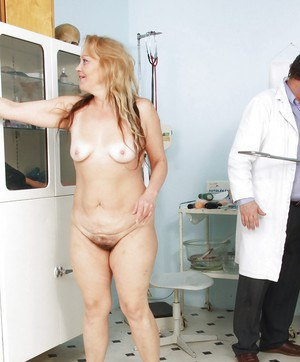 Fat Mature gets her asshole stretched & shit shoved in her hairy cunt
