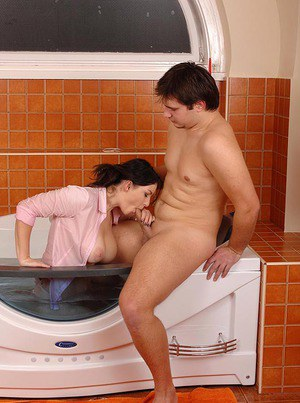 Curvy babe Nanny gives a tug job and gets a cumshot in the bath