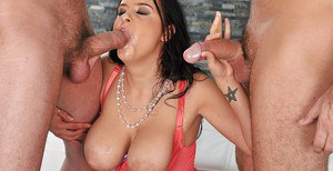 Curvy babe with big tits Candy Alexa gets banged by two lucky guys