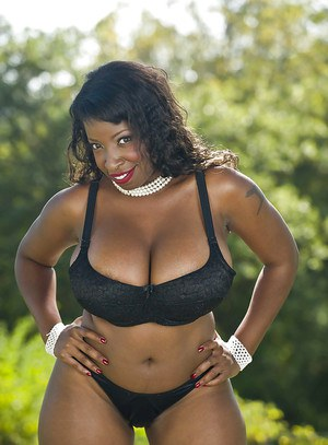 Fatty ebony MILF on high heels Vanessa Blue stripping outdoor