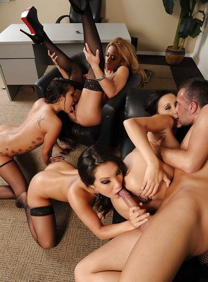 Four amazing babes with big tits are into groupsex with a lucky guy
