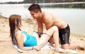 Fuckable teen girl gives a blowjob and gets shagged outdoor