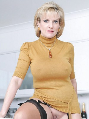 Mature babe with no panties on spreading her legs and exposing her cunt