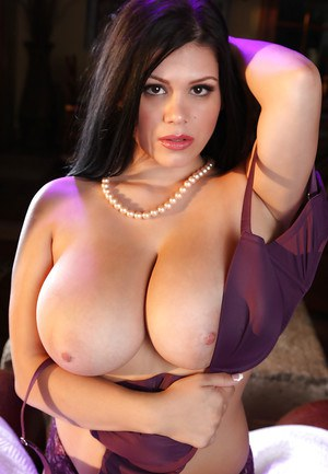 Stunning chubby babe in lingerie uncovering her massive tits