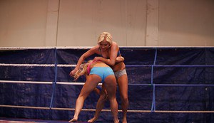 Fuckable sporty babes with sexy butts are into rough lesbian action