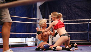 Laura Crystal loses catfight and gets dominated by Michelle Moist