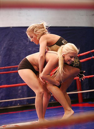 Nikky Thorne wins a catfight and licks her opponent's pussy