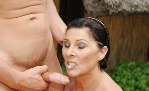 Chubby mature brunette with small tits gets banged outdoor