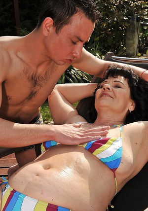 Lusty granny in bikini Helena May gets shagged hardcore outdoor