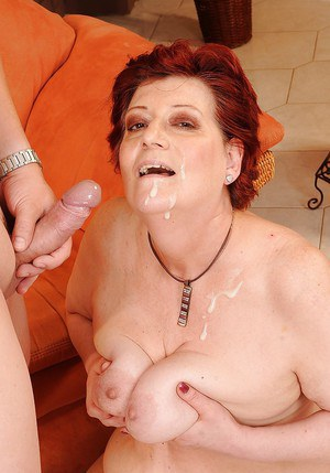 Mature fatty babe fucks and gets some piss on her right after