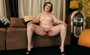 Fatty granny with big ass Eve Tickler stripping and spreading her legs
