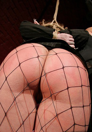 Busty babe in fishnet pantyhose Kira Banks gets her cunt tortured and nailed