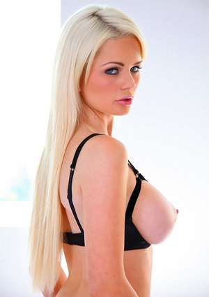 Blonde babe with big tits Alexis Ford shows her gorgeous body