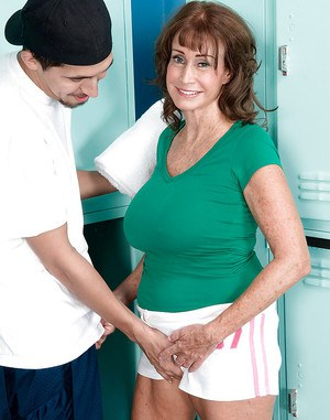Granny with big tits Jacqueline Jolie ass fucking with a younger guy