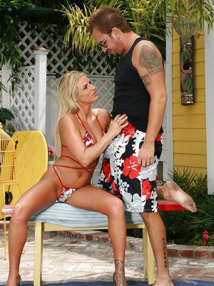 Slutty MILF Brooke Belle gives a blowjob and gets fucked outdoor