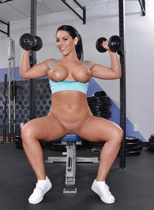 Curvaceous brunette Bella Reese stripping off her sport outfit in the gym