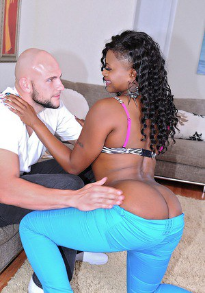 Curvy ebony MILF Damanie Rose sucks and fucks a big white boner