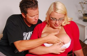Fatty blonde in glasses gives a blowjob and gets slammed hardcore