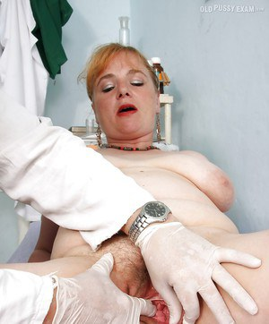 Fatty mature lady with big tits gets her twat examed by gyno