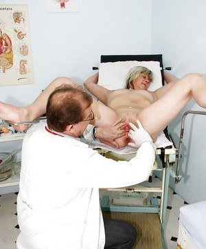 Mature blonde with flabby ass gets her love holes toyed by gyno