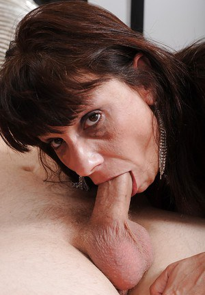 Busty mature lady Sage Hughes gives a blowjob and gets fucked hardcore