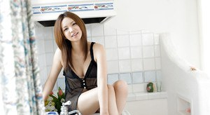 Stupendous asian babe Yura Aikawa slipping off her lingerie