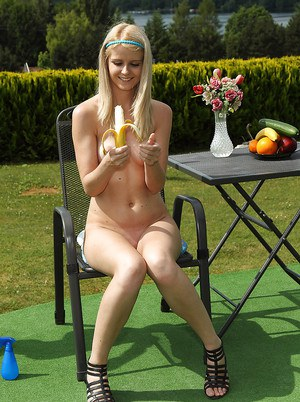Cute amateur blonde babe stripping and teasing her cunt outdoor