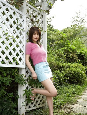 Foxy asian babe Rina Himesaki stripping off her clothes outdoor