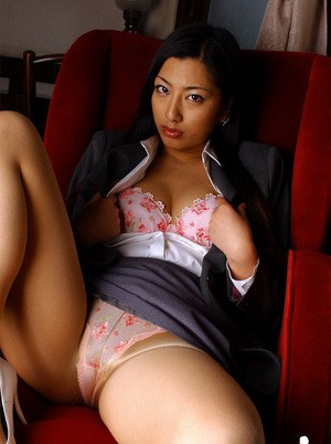 Sexy asian babe Ran Asakawa stripping off her suit and lingerie