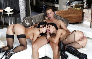 Smoking hot raven haired babes are into groupsex with Rocco Siffredi