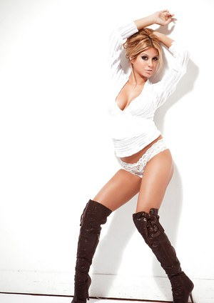 Hot blonde on high heels Priscilla Caripan stripping and spreading her legs
