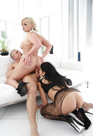 Busty sluts Diamond Kitty & Pheonix Marie are into hardcore ass fucking