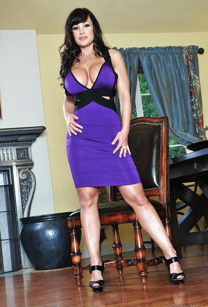 Big busted MILF Lisa Ann stripping off her dress and panties