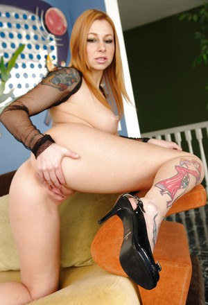 Seductive pornstars Jaelyn Fox & Scarlett Pain sharing a big black cock