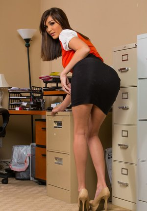 Petite office babe Holly Michaels stripping off her clothes