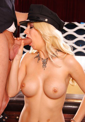 Busty blonde hottie Jazy Berlin gets her pussy licked and fucked hardcore