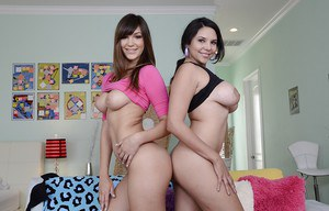 Hot ass gals Missy Martinez & Holly Michaels stripping together
