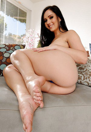 Angell Summers exposing her bare feet and slipping off her dress