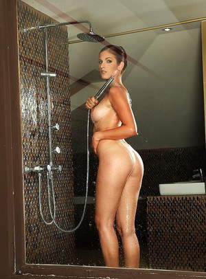 Gorgeous european babe with tempting ass Mira Sunset taking shower