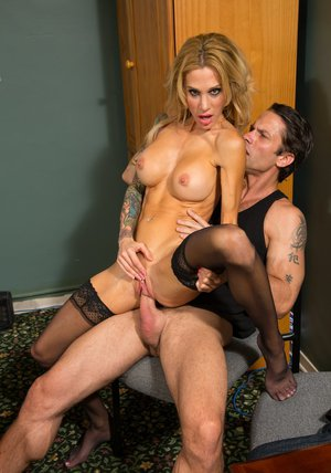 Hot MILF in stockings Sarah Jessie gives a footjob and gets fucked