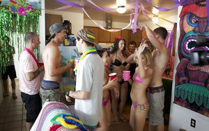 Lecherous gals have a wild groupsex with well-hung guys at the house party