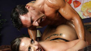 Hot ass chick Kelly Divine gives a blowjob and gets pounded hardcore