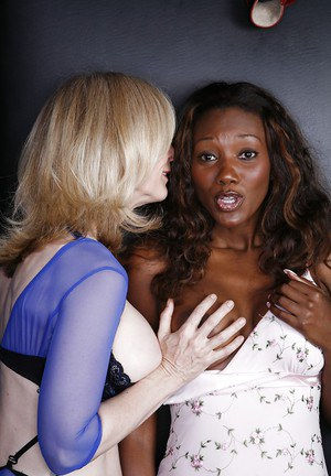 Fuckable mature lesbian has some pussy lick fun with her sexy ebony friend