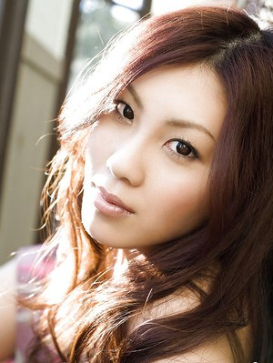 Sweet asian babe Shinohara Ryou uncovering her petite curves