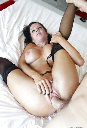 Horny MILF Veronica Avluv gives a blowjob and gets shafted hardcore