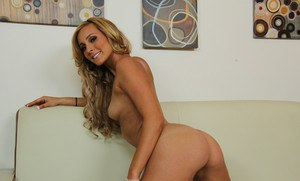 Amazingly lovely babe Nikki Seven stripping and spreading her legs
