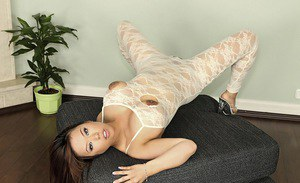 Full-figured asian lady Tigerr Benson ripping her pantyhose suit
